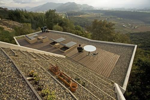sloped garden decking ideas photo - 2