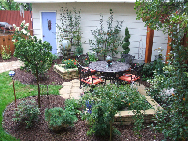 small easy care garden ideas photo - 6