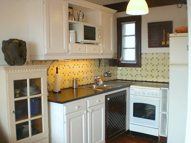 small kitchen design layout ideas photo - 5