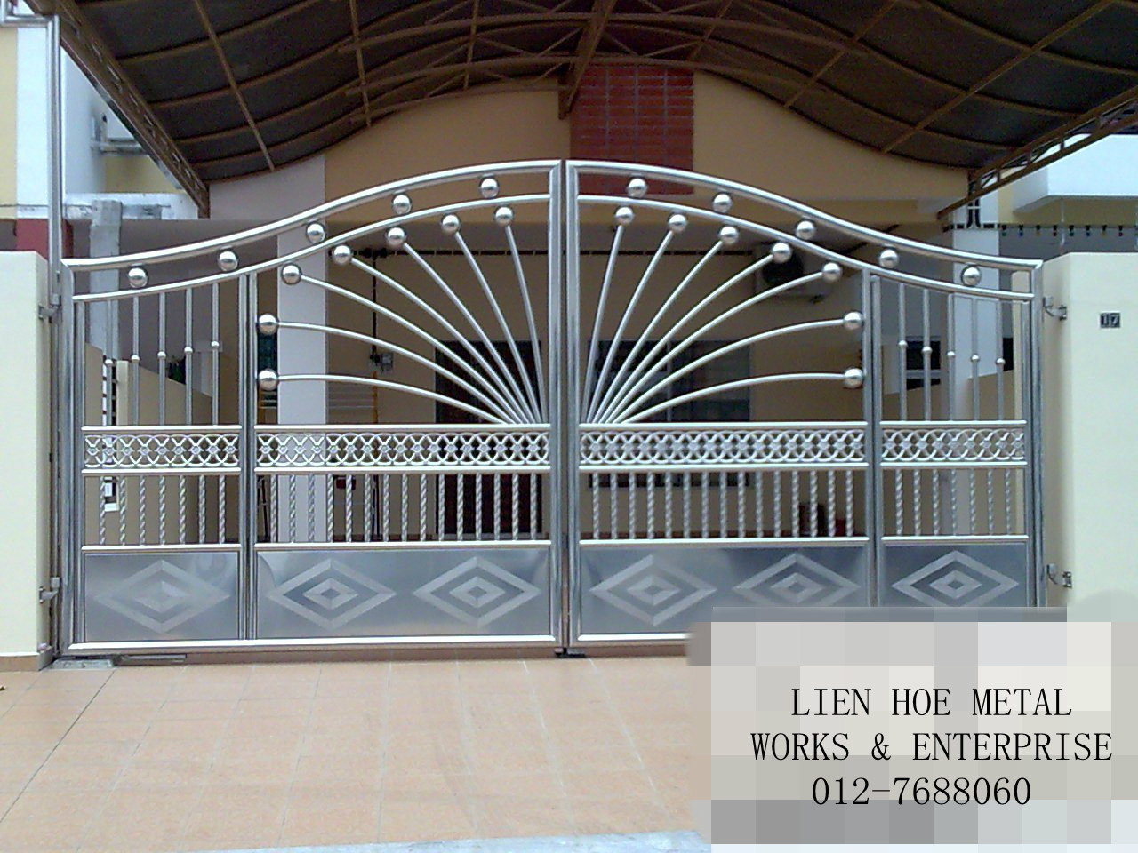 steel gate design photo - 1