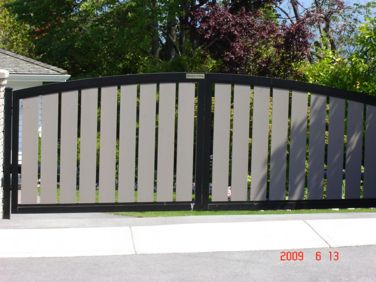steel gate design photo - 2
