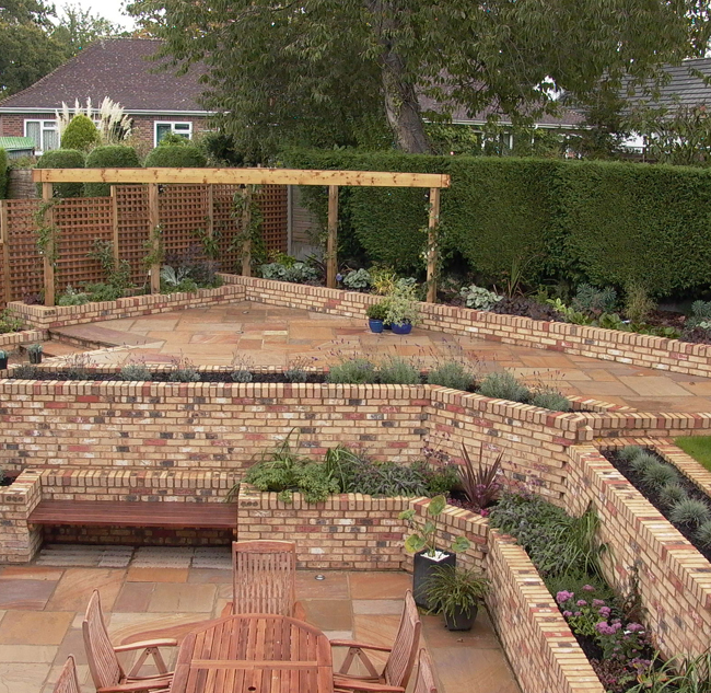 steeply sloping garden design ideas photo - 2