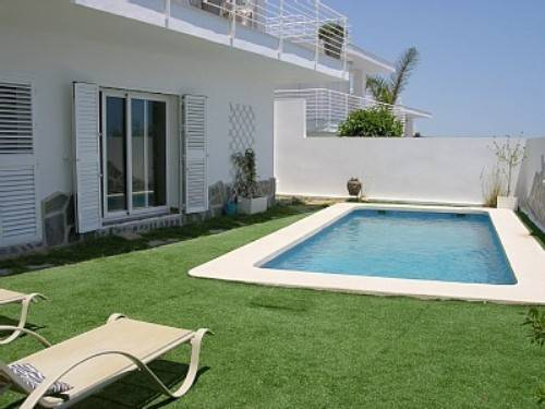 swimming pool designs small yards photo - 2