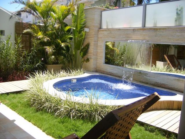 swimming pool designs small yards photo - 4