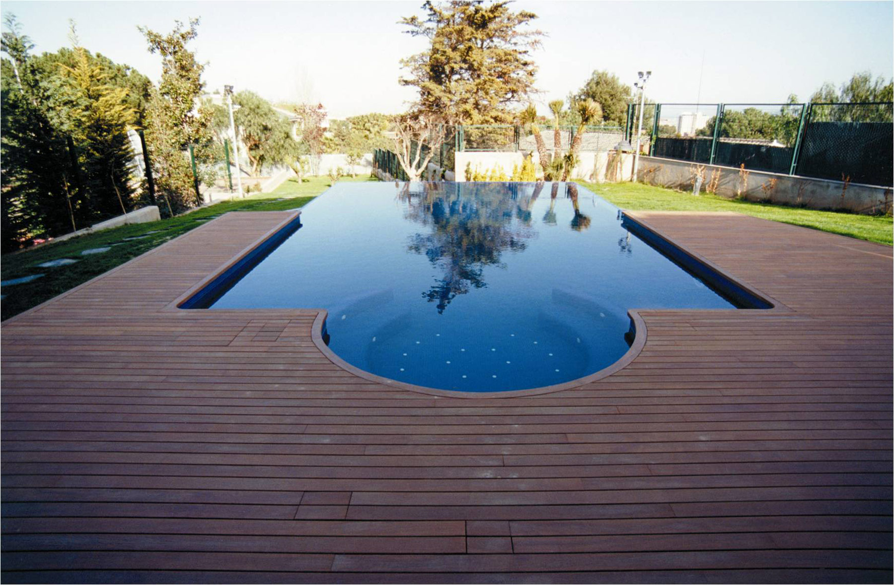 swimming pool designs with decking photo - 2