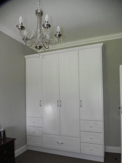 traditional bedroom cupboards photo - 3