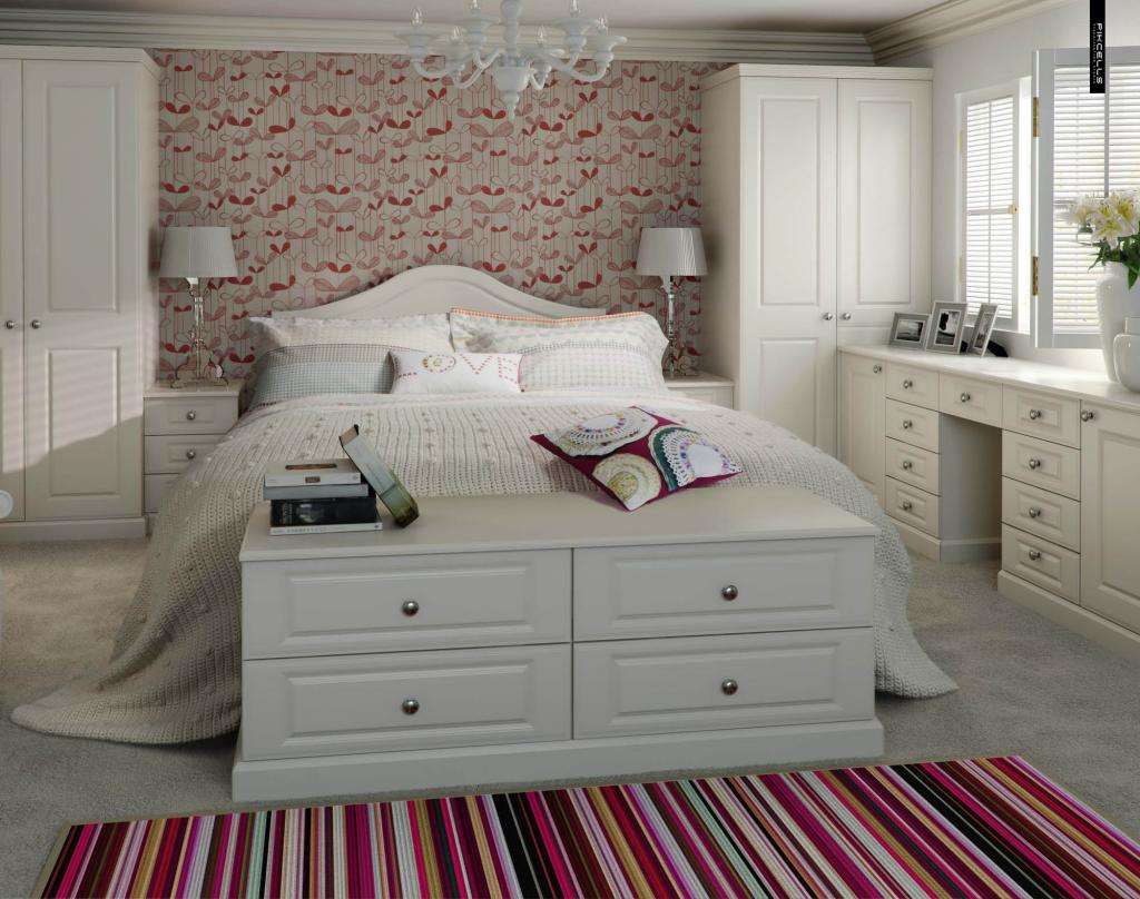 traditional contemporary bedroom photo - 5