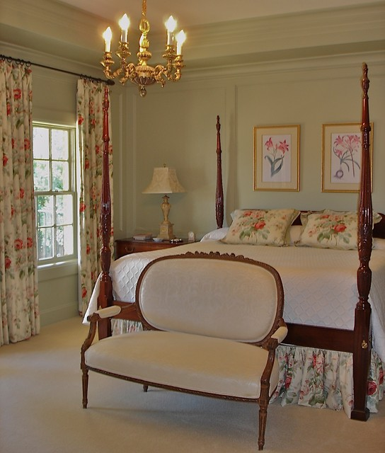 traditional english bedroom design photo - 1