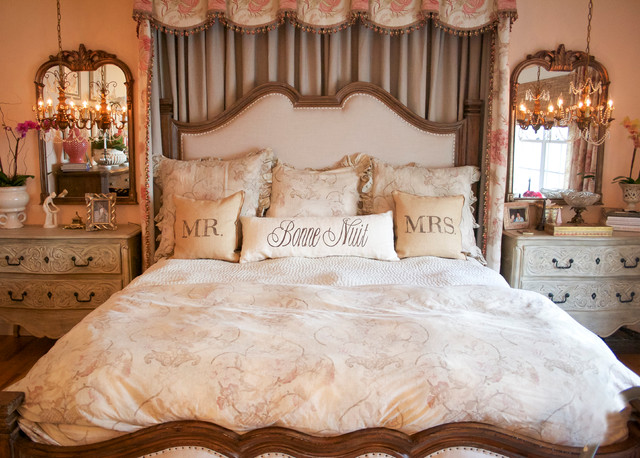 traditional romantic bedroom ideas photo - 2