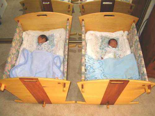 twin baby crib divider photo - 2
