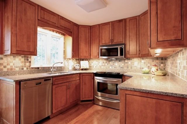 typical u shaped kitchen photo - 5