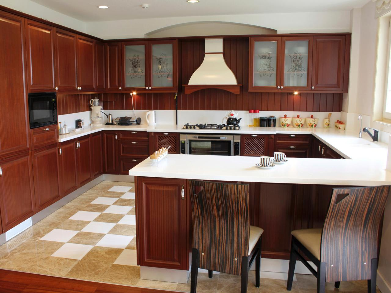 u shaped kitchen layout photo - 6