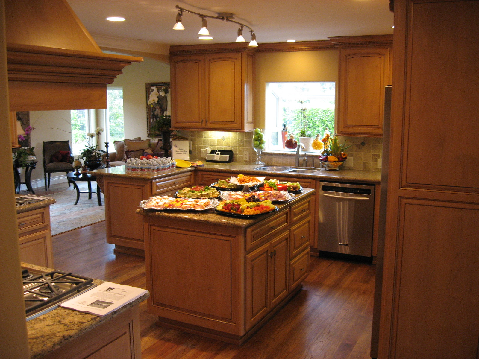 unique small kitchen designs photo - 3