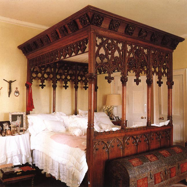 victorian gothic bedroom furniture photo - 4