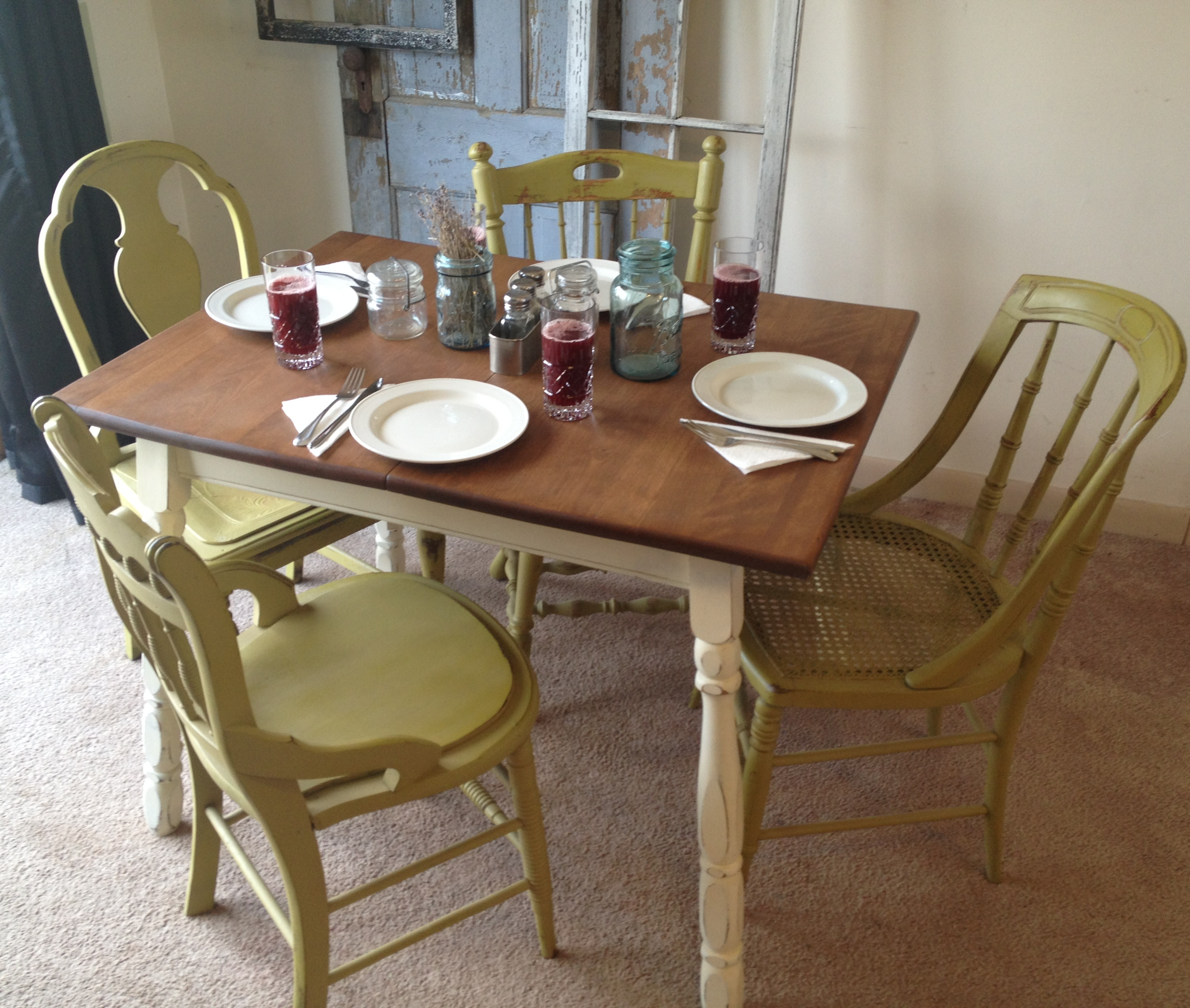 vintage kitchen table and chairs photo - 3