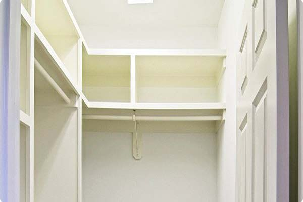 walk in closet dimensions small photo - 5
