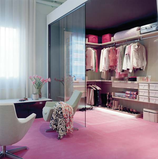 Walk In Closet Ideas For Girls An Uncluttered And