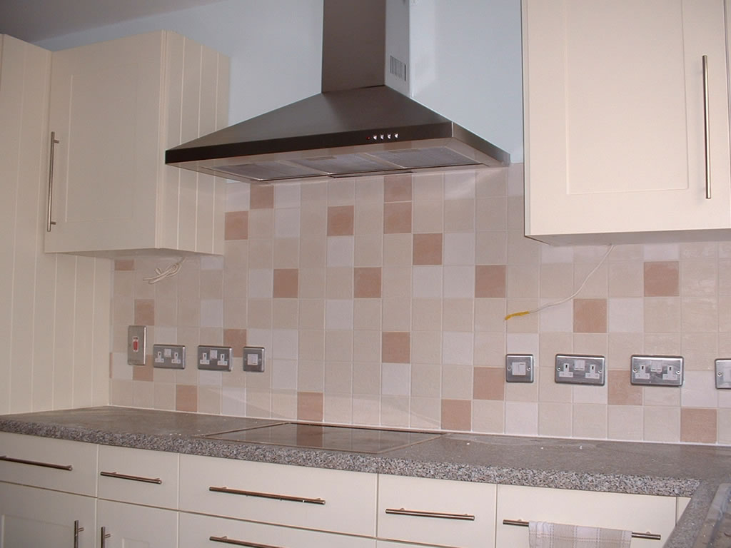 wall tile designs for kitchens photo - 1