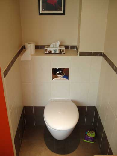 wall tiles design for toilet photo - 1