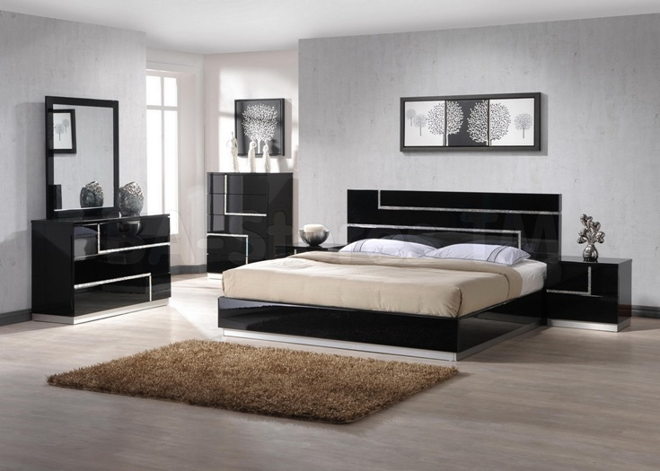 wood and mirrored bedroom furniture photo - 4
