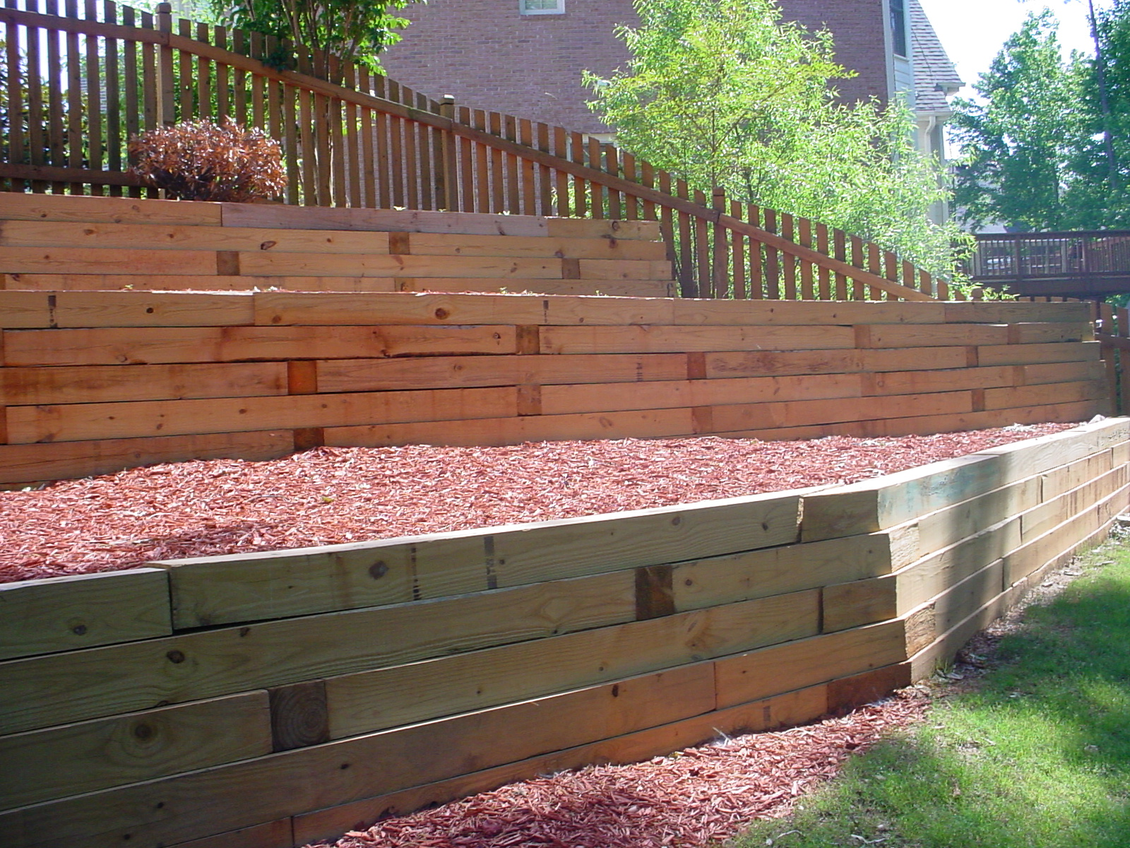 wood retaining wall design example photo 4