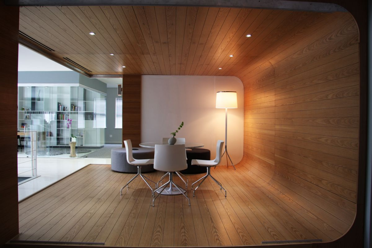 wood wall interior design photo - 3