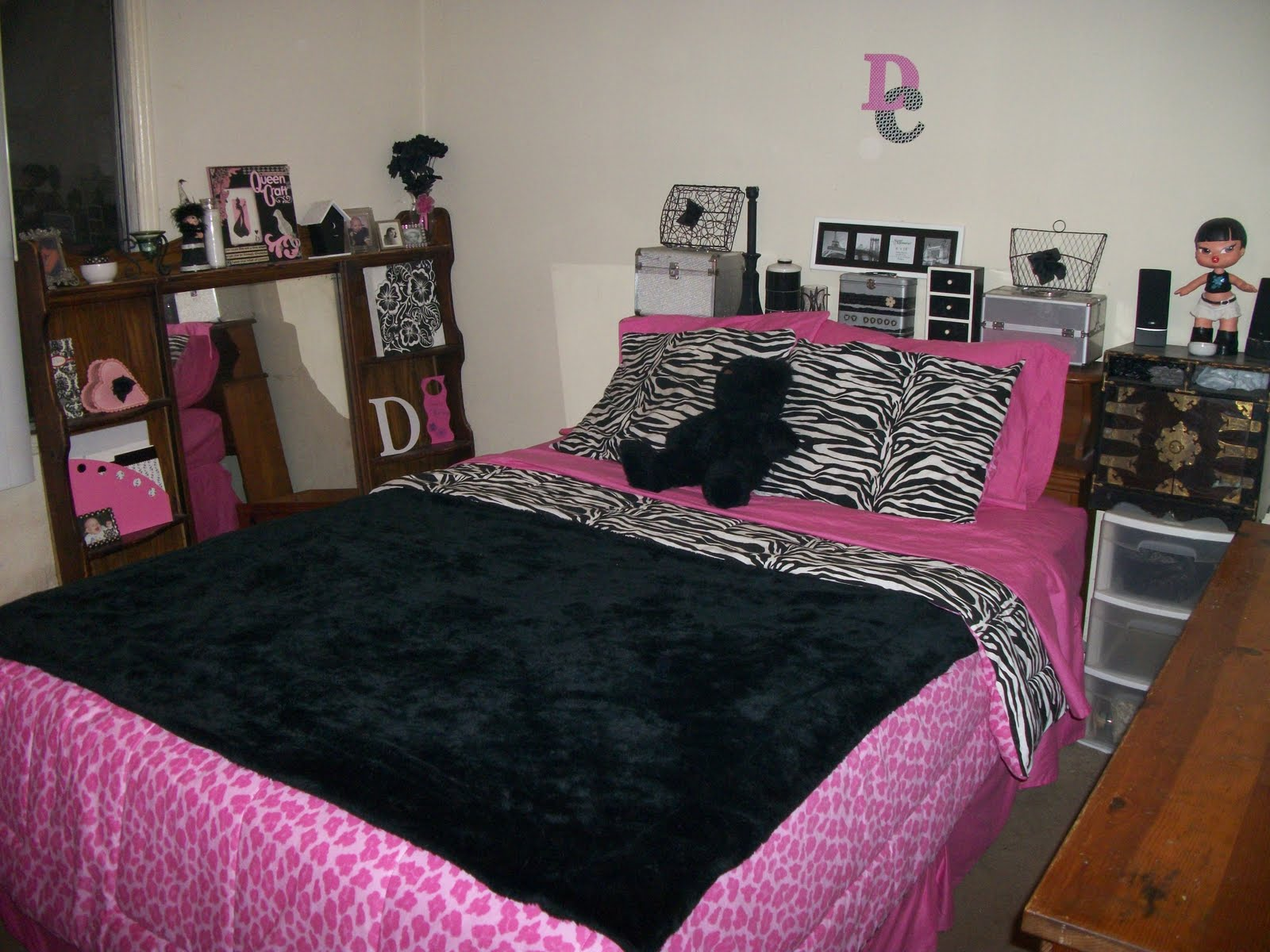 black white and pink bedroom ideas create look for your bedroom with black amp pink 20373
