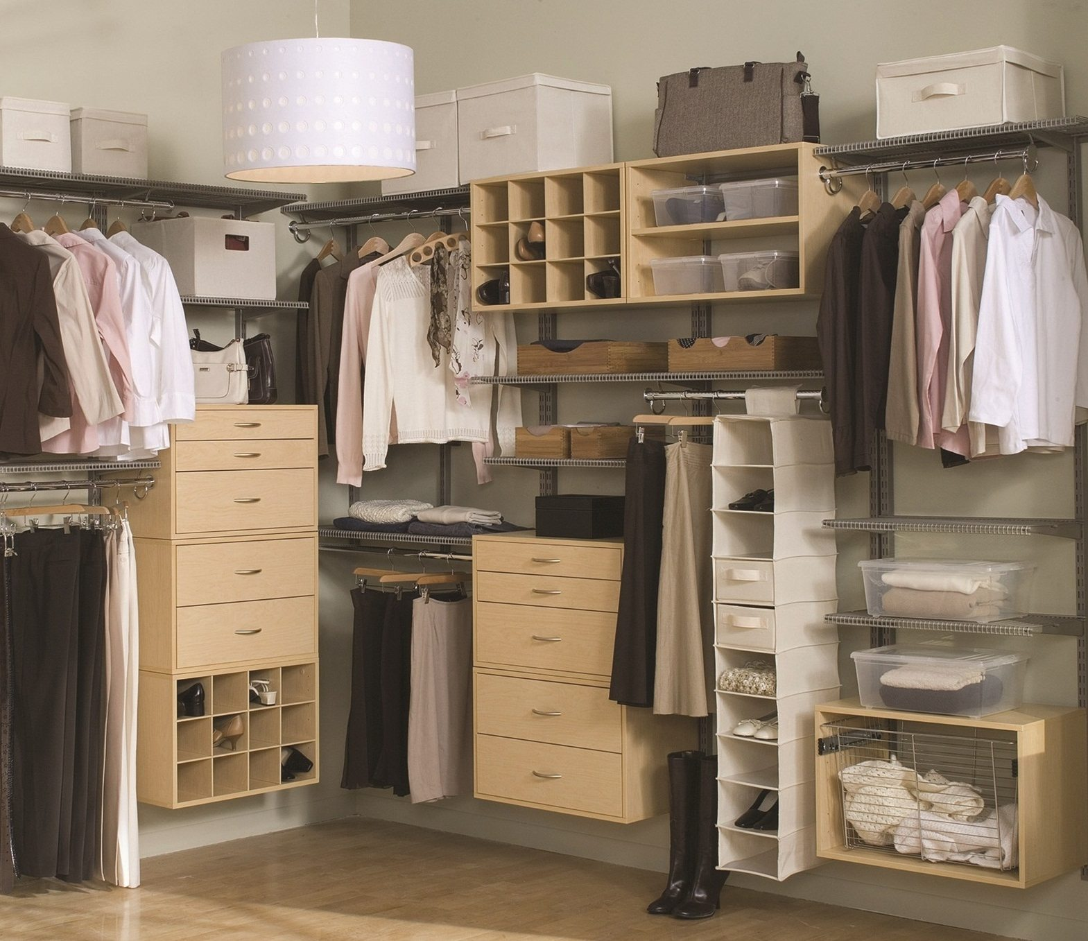 small bedroom with walk in closet walk in closet small bedroom few things to signify 20859
